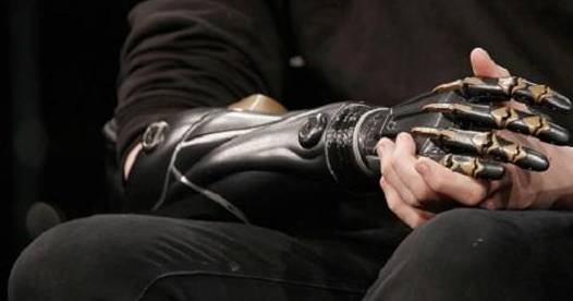 Scientists develop solar-powered skin for prosthetic limbs